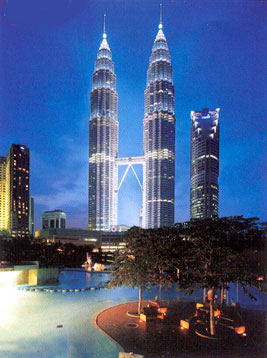 Glow in Dark Jigsaw Puzzle - Petronas Towers - 1000 Pieces Clementoni